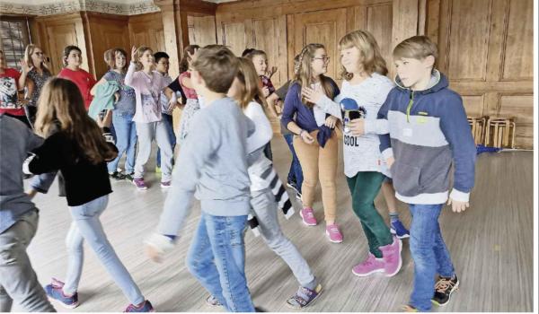 Zeitungsartikel<br>Der Aargau tanzt!<br>